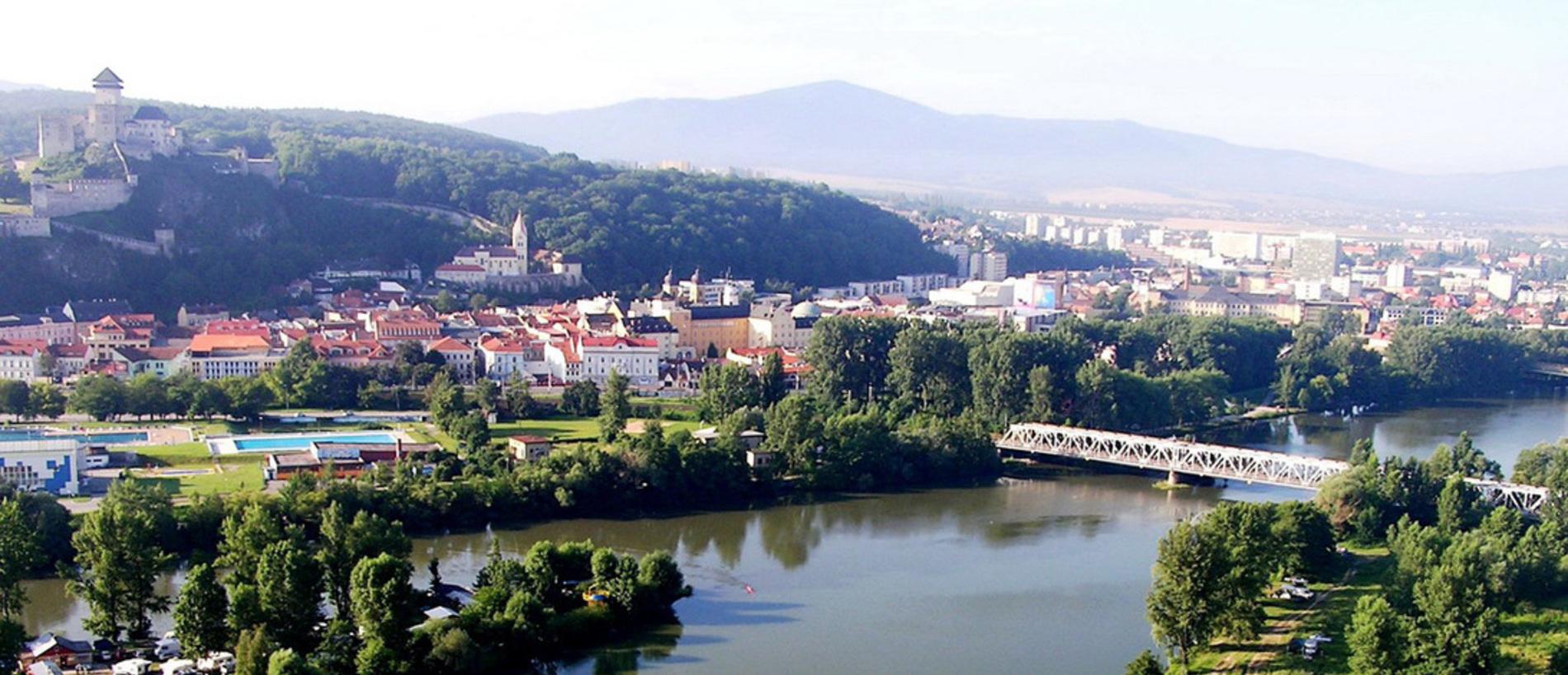 Trenčín - mesto na rieke
